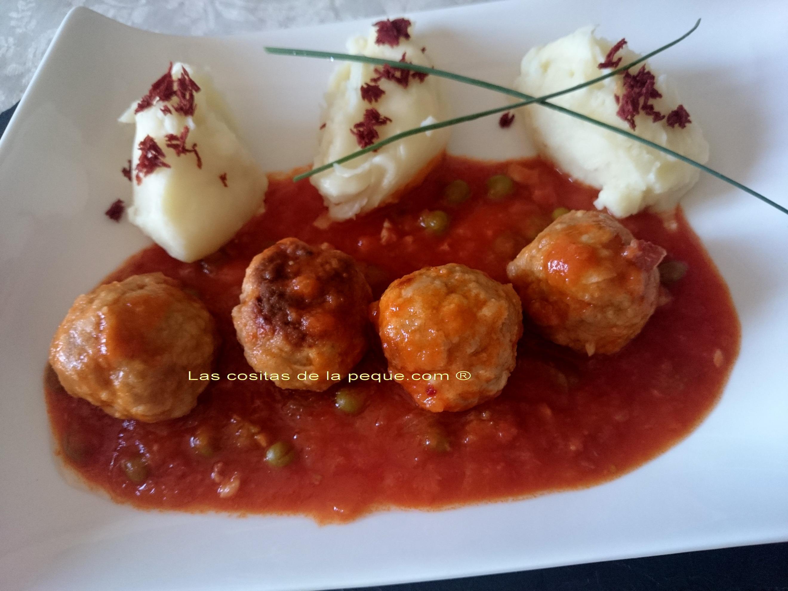 Alb ndigas de carne con aceitunas en salsa especial y - Albondigas de patata ...