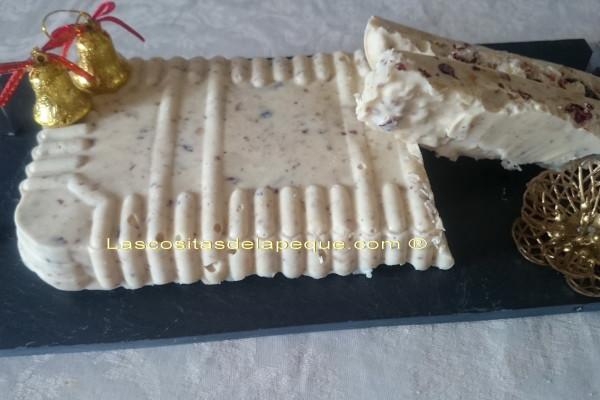 Turrón de chocolate blanco y frutos secos con thermomix