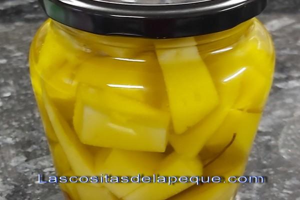 Queso aromatizado en aceite